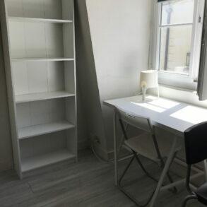Studio meublé de 16 m² en mezzanine reservé